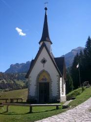 Chiesetta della Madonna della Neve sul monte Vederna